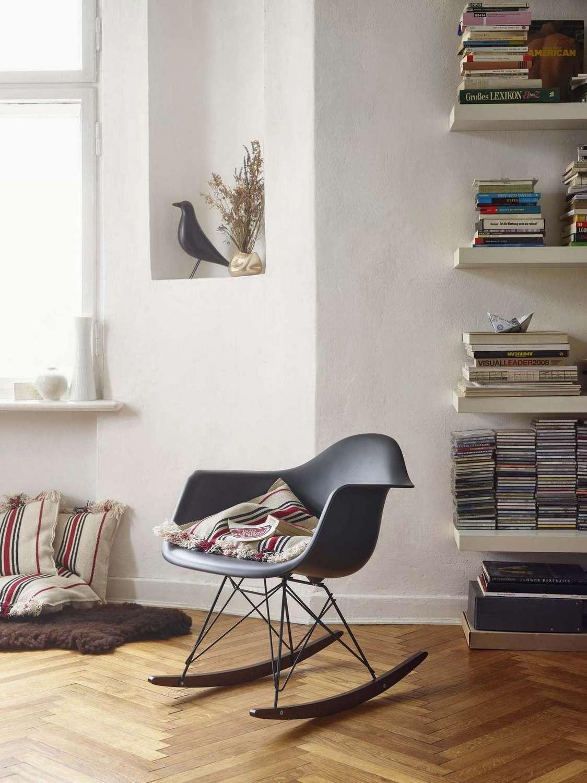 eames_plastic_armchair_rar_1097277_master