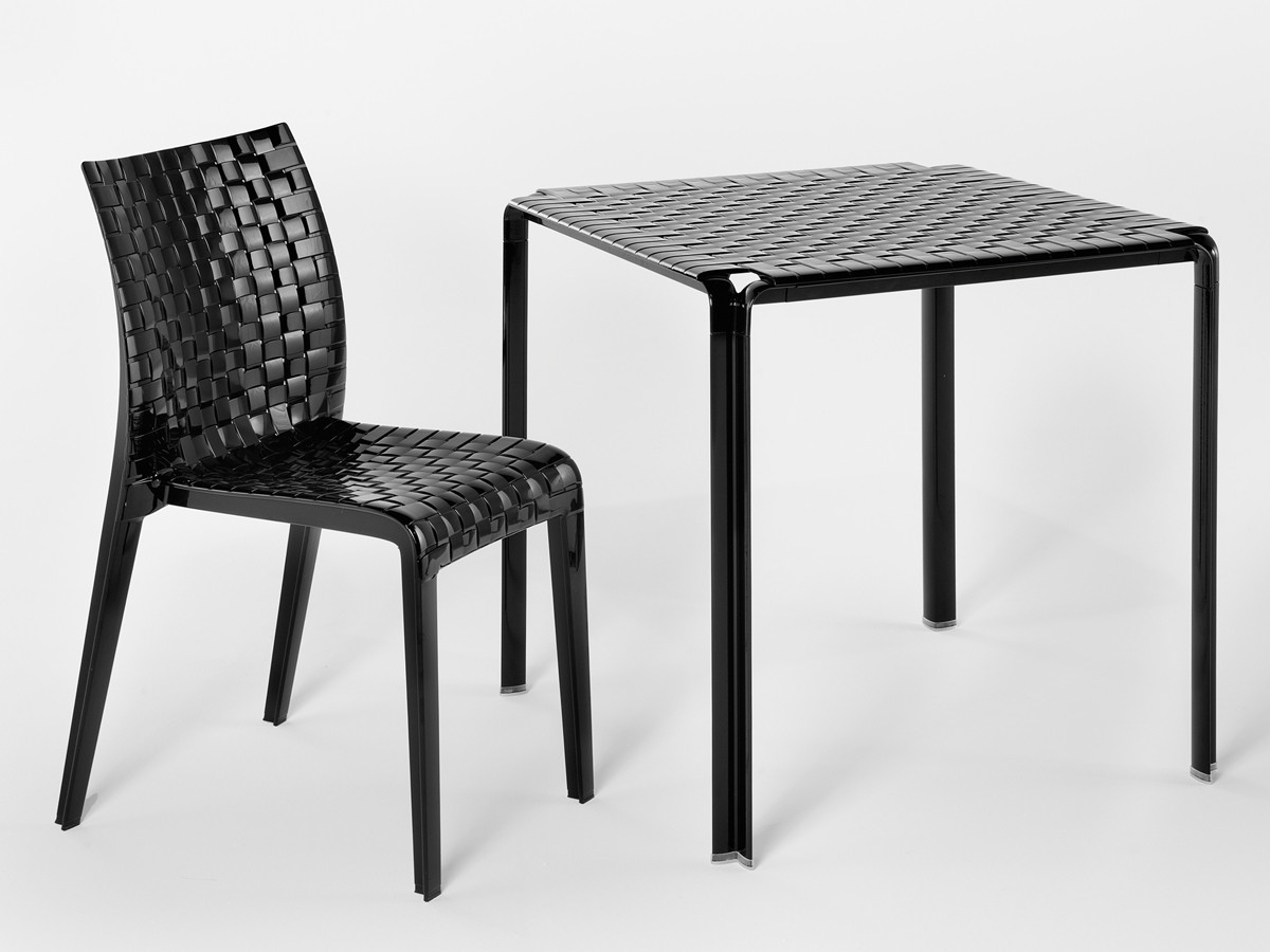 Kartell-Ami-Ami-table-and-chair-in-opaque-black